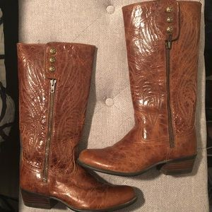 Women's cognac Ariat western boots